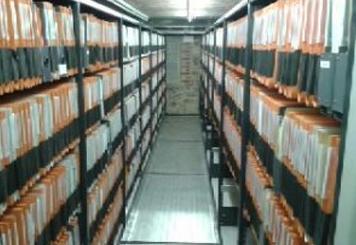 Déménagements et mise en caisse d'archives